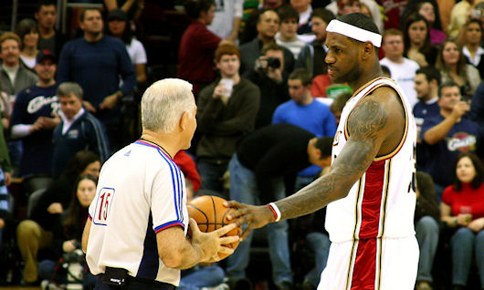 lebron james et l'arbitrage