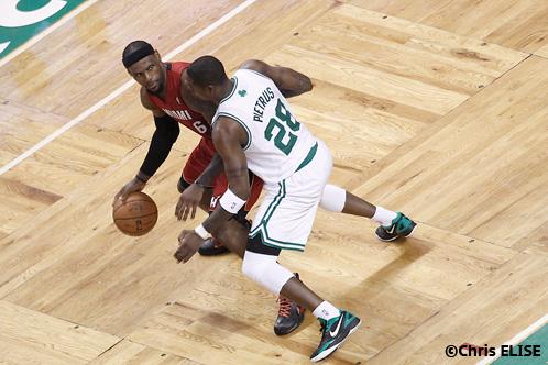 NBA Le 2ème fils de LeBron prend chaud, LeBron l'encense