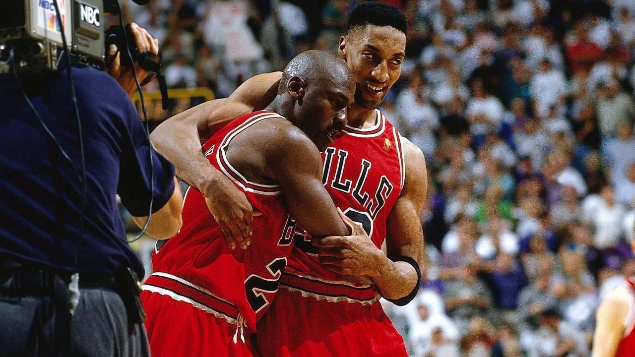 Conception innovante cf0a0 44d91 Ça s'est passé un 11 juin : Michael Jordan, héros du « Flu ...