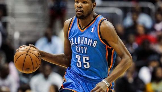 Kevin Durant, deuxième plus jeune joueur de l'histoire à marquer 15 000 points