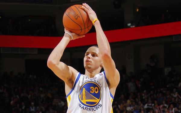 Stephen Curry inscrit 77 tirs à 3-points de suite à l'entraînement