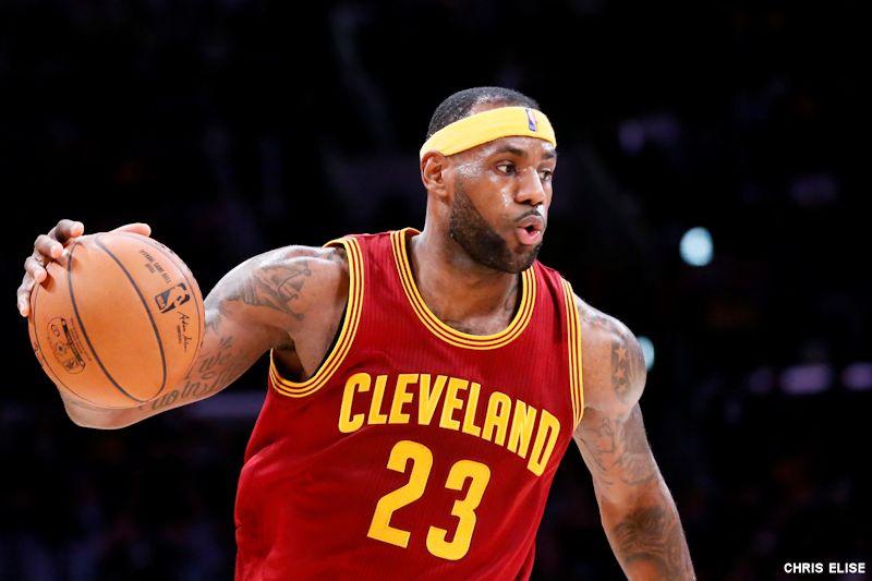 30-5-5 : LeBron James dépasse Michael Jordan