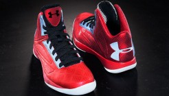 under-armour-micro-g-torch-red-black-silver-01
