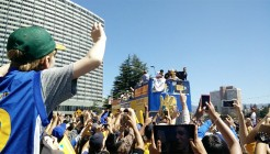 stephen-curry-parade