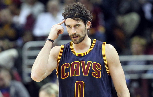 Kevin Love Iphone Wallpaper : Le bel hommage de Kevin Love ? James Jones Basket USA