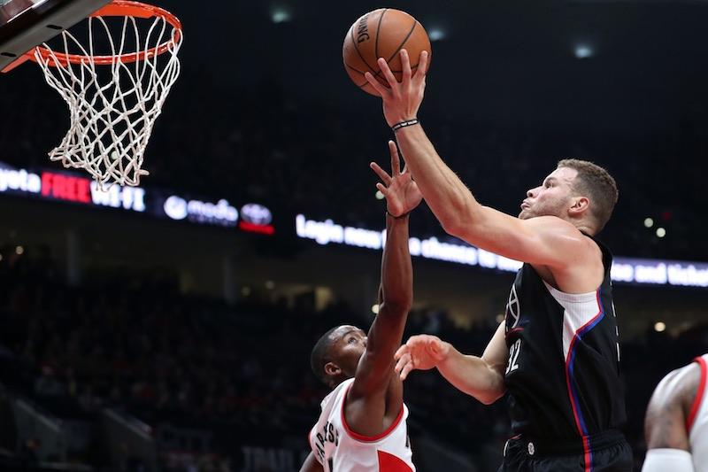 Derrière leur tandem infernal, blessé lors des derniers playoffs, Chris Paul (27 points, 5 rebonds, 5 passes) et Blake Griffin (27 points, 13 rebonds), les Clippers ont néanmoins su garder leur sang-froid dans les dernières minutes.