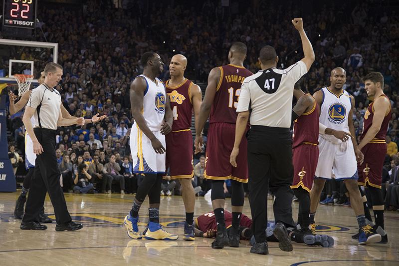 Les Warriors corrigent les Cavaliers — NBA