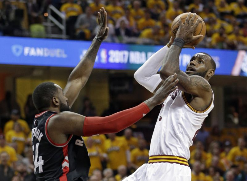 Basket - NBA - Cleveland balaie Toronto et file en finale de conférence