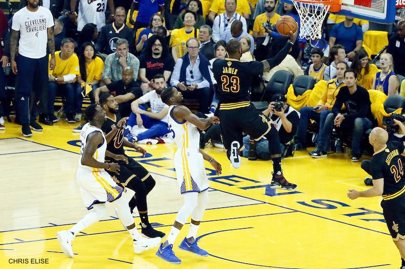 Golden State fête son titre, LeBron James moqué — NBA