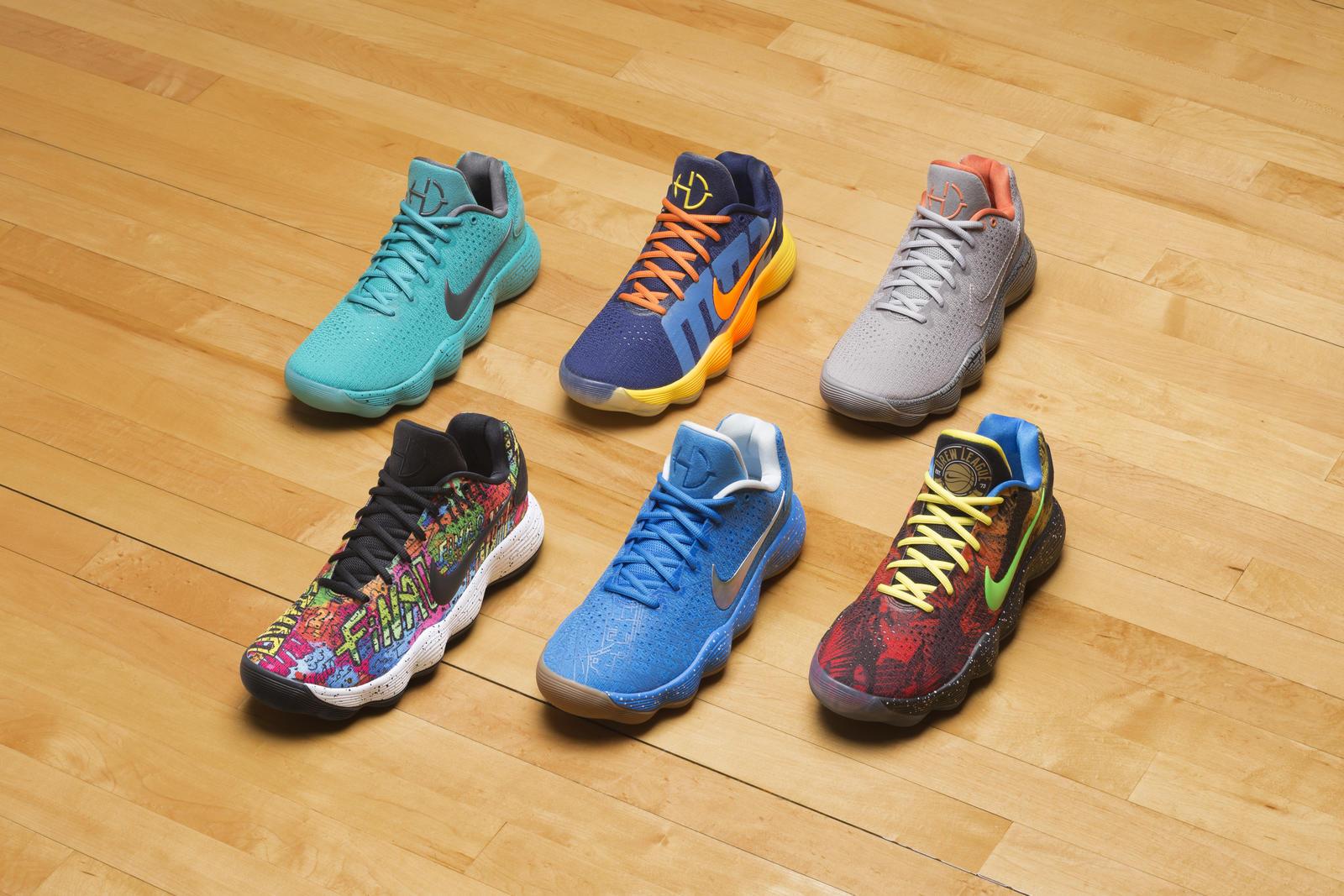 hot sales b96e5 e7f29 Puisquon joue au basket aux quatre coins de la planète, Nike rend hommage  à la mondialisation du basket avec des Nike Hyperdunk 2017 Low inspirés par  six ...