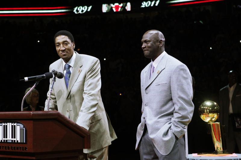 nouveau style 08a11 6fe59 Michael Jordan et Scottie Pippen se retrouvent lors du ...