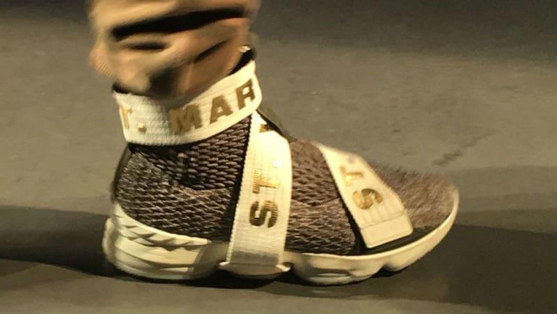 91d0c0d7faeba Nike   LeBron James dévoile la LeBron 15