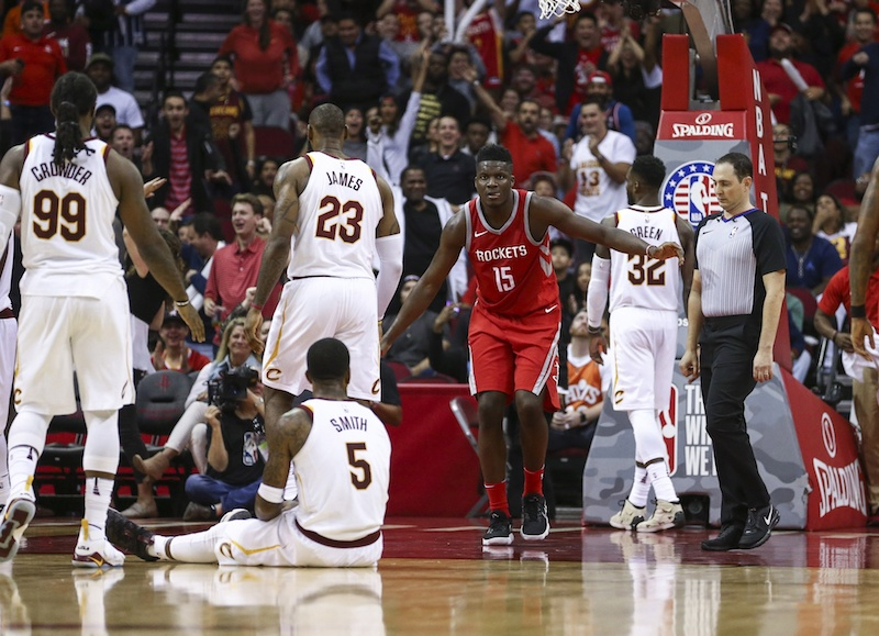 NBA: Houston accable Cleveland et LeBron James, Oklahoma City inquiète