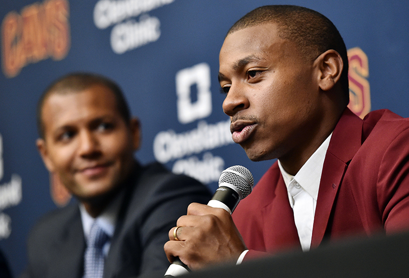 Harden et Capela brillent face à Cleveland — NBA