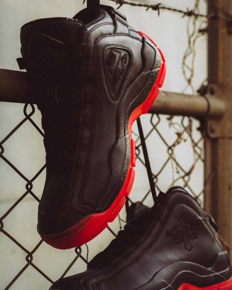 fila et chaussure de tupac