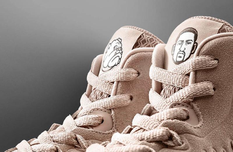 Клей Томпсон посвятил новые кроссовки