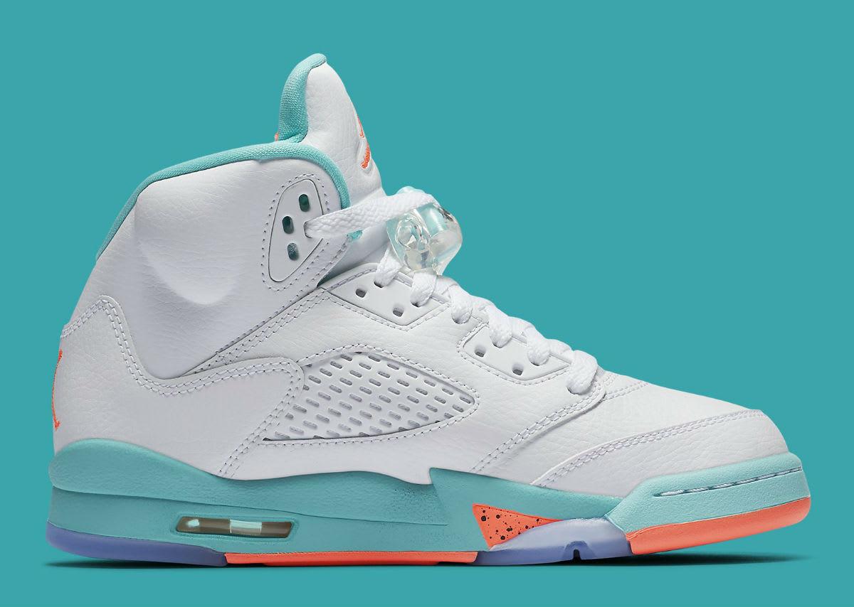 buy online b1f87 0bfe6 Commandez chez B4B la Air Jordan 3 aux couleurs de l édition 2018 du plus  gros tournoi de street Basketball inspirées par l énergie vibrante du jeu  et de la ...