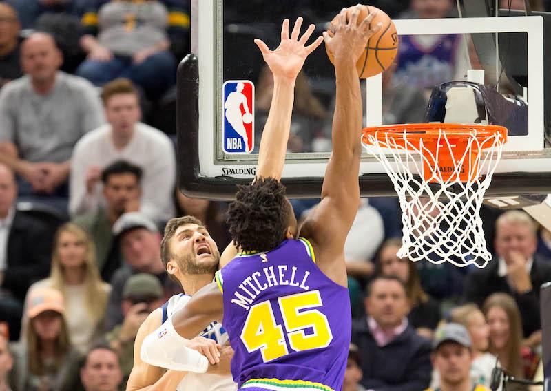 Basket Ball - Page 37 Mitchell-mavs