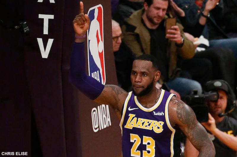 design de qualité a4859 1fe9e Points en carrière : LeBron James dépasse Michael Jordan ...