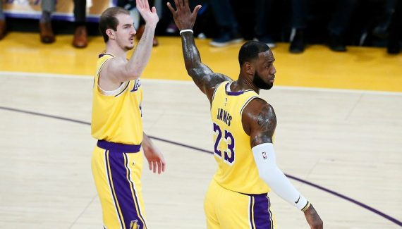 Alex Caruso croit dans la progression de la défense des Lakers