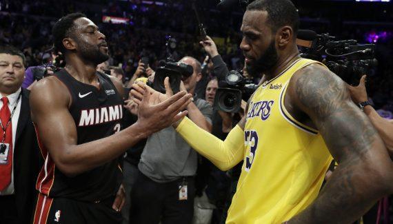 LeBron James aura un « coach » particulier avant les matches : Dwyane Wade
