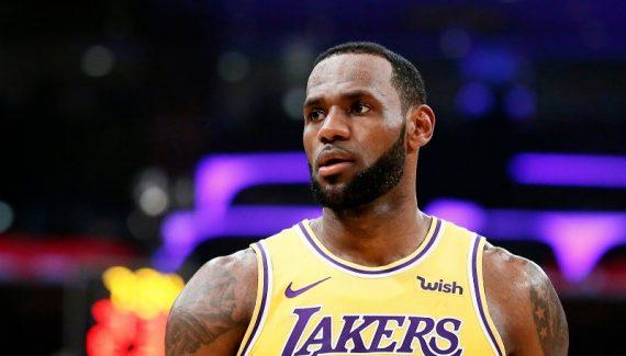 Le MVP de la nuit : LeBron James a vu toute la ligue en 3D