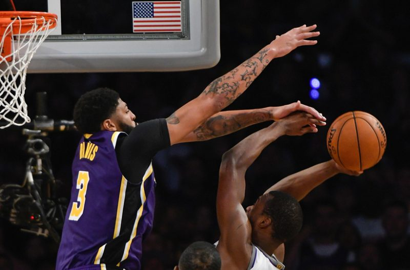 lakers-kings-1-e1573901286493.jpg