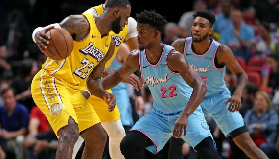 A l'arraché, le tandem LeBron-Davis fait tomber la salle du Heat