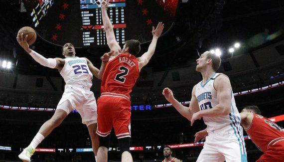 Les Hornets piquent des Bulls inoffensifs