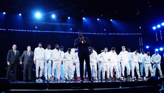 Main dans la main, les All-Stars 2020 rendent hommage à Kobe Bryant