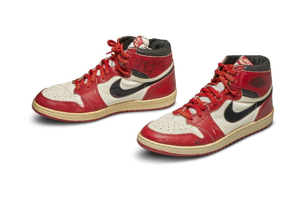 La première paire d'Air Jordan portée par Michael Jordan