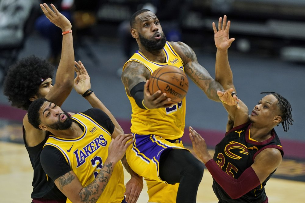 Again in Cleveland; LeBron James (46 factors) kills the Cavs    NBA
