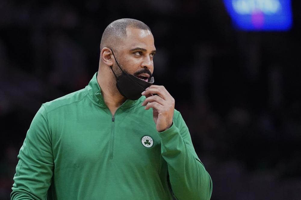 Ime Udoka no longer wants the Celtics to complain to umpires    NBA