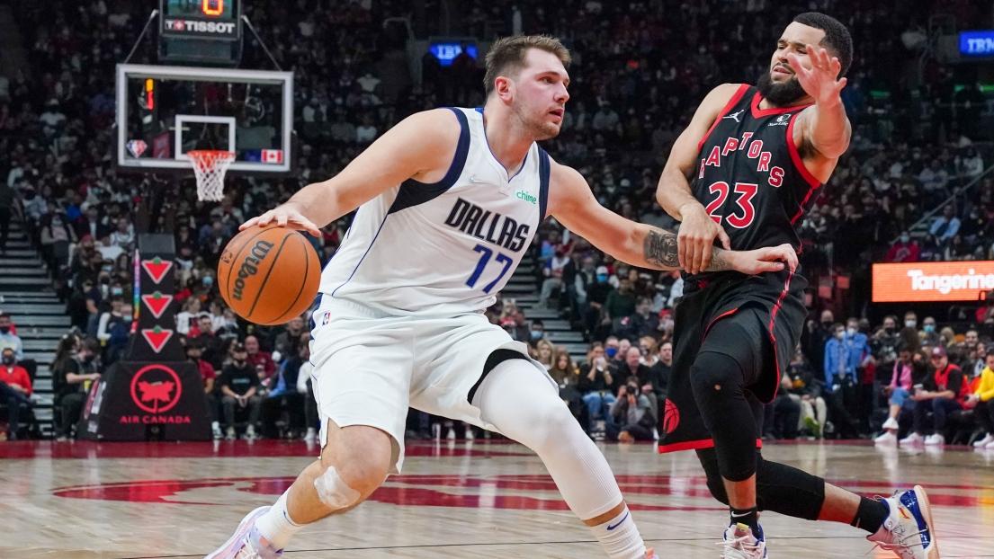 Mavericks start season in Toronto |  NBA