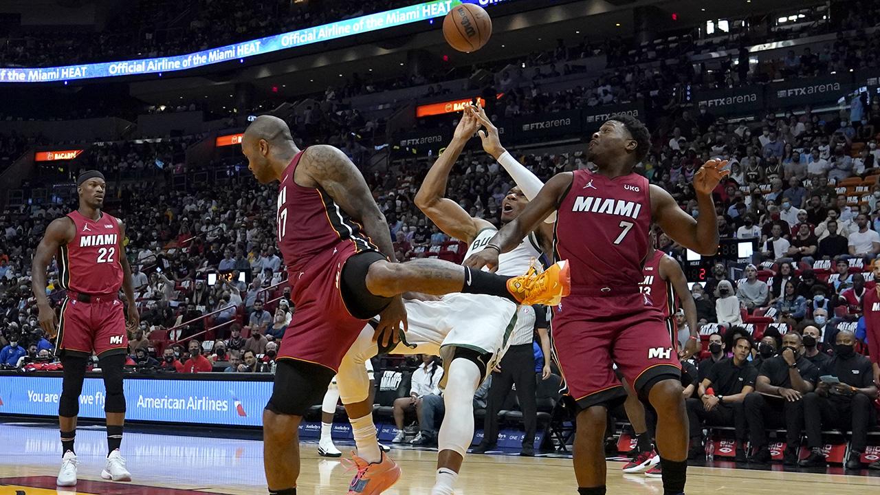 The Heat blow up the Bucks: +42 !!!  |  NBA