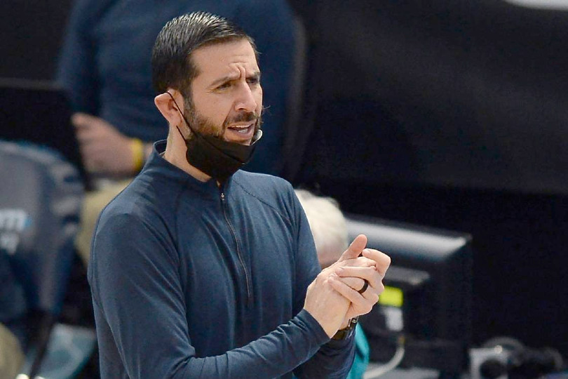 In Charlotte; James Borrego launches a primary spiel    NBA